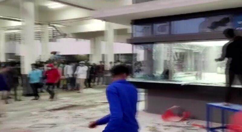 Vandalismus v továrně Wistron Infocomm Manufacturing