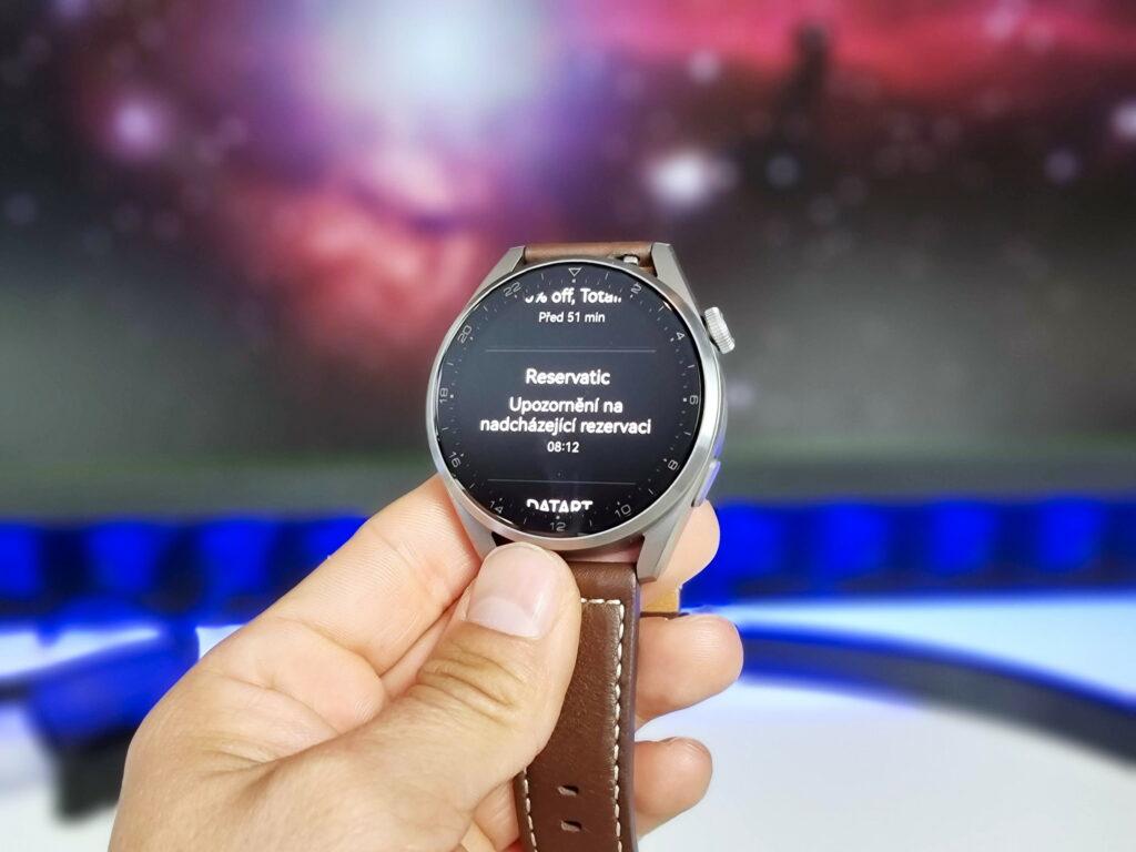 Notifikace na Huawei Watch 3 pro mají k dokonalosti daleko