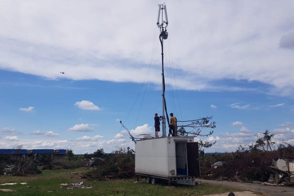 Vodafone v postižených obcích instaluje mobilní vysílací stanice